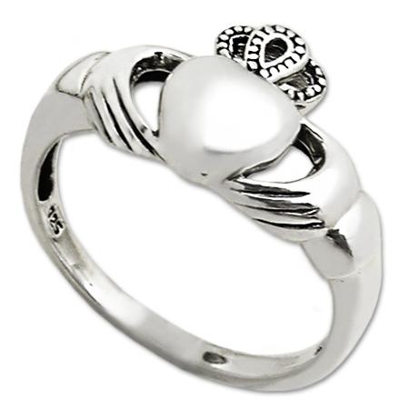 anillo claddagh en plata