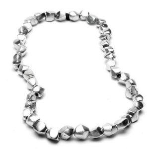 collana in alluminio riciclato in vendita a verona